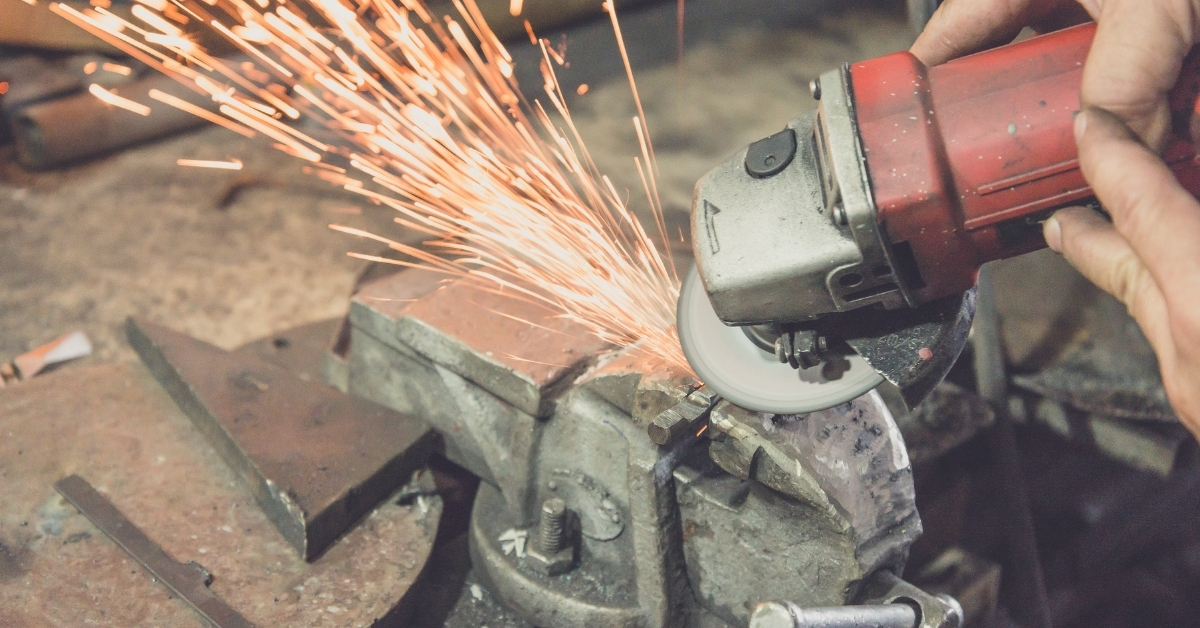 Заточващите дискове за ъглошлайф служат за заточване на различни инструменти.