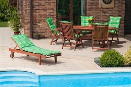 Предимства и недостатъци на градинските мебели от дърво.