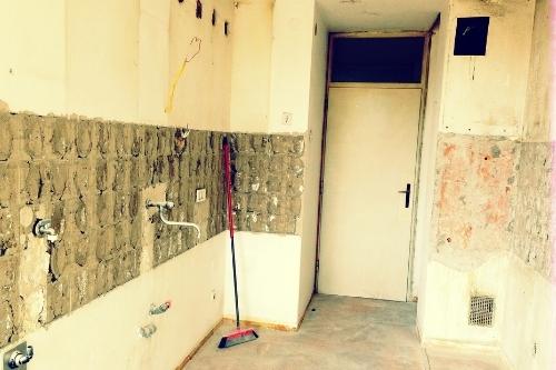 Как се прави основен ремонт на кухня - стени, таван, под, уреди, инсталация, водопровод и канализация - всичко за ремонта.